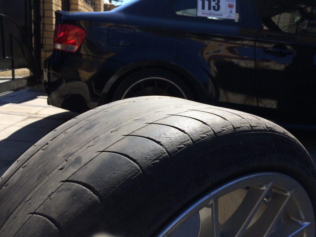 Заводского Michelin Pilot Sport PS2 хватило на 3 сезона, примерно на 15 тыс. км.